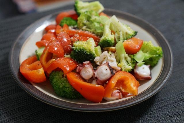 タコと野菜のオイル蒸し